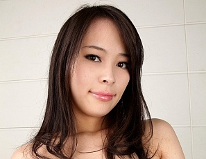 Busty_asians_gals_1/mika_saori_1