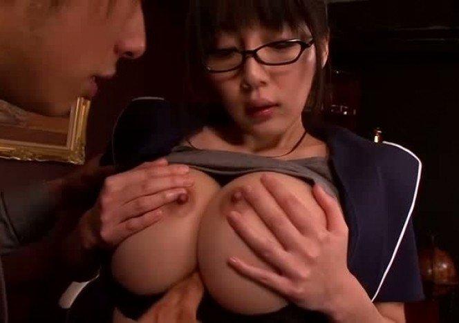 yuuri himeno sexy and busty japanese milf boob fuck foto cewek
